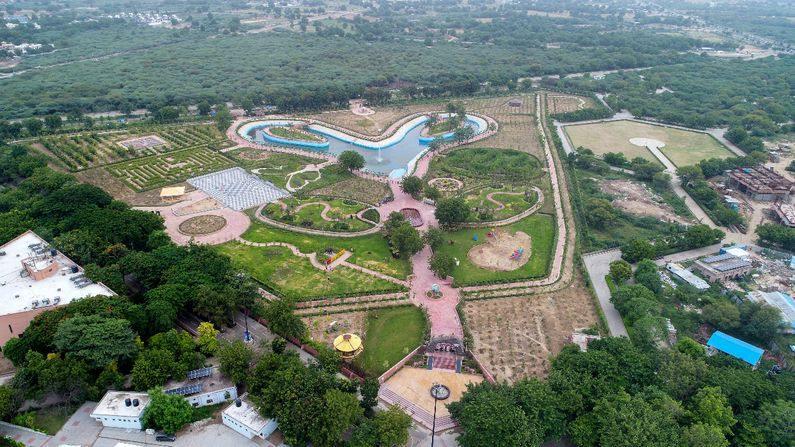 ગુજરાત સાયન્સ સિટીનું આ નેચર પાર્ક શહેરનું સૌથી મોટું જાહેર ઉદ્યાન તરીકે ઓળખાશે. આ નેચર પાર્ક 8 એકરમાં બનાવવામાં આવ્યું છે.