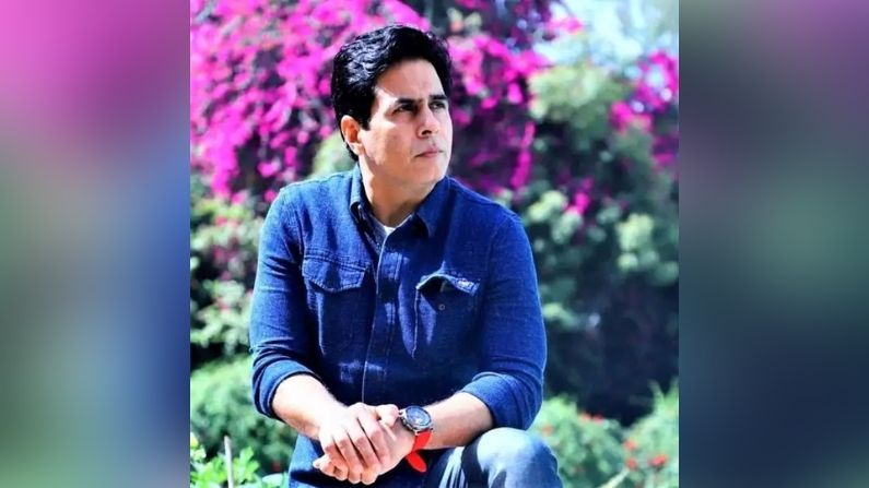अमन वर्मा : टीवी की दुनिया में अमन वर्मा का अच्छा नाम था.  उन्होंने फिल्म इंडस्ट्री में भी खूब मेहनत की, लेकिन एक स्टिंग ऑपरेशन ने उनकी दुनिया को हिला कर रख दिया.  एक चैनल के स्टिंग ऑपरेशन में अमन वर्मा को एक युवती को काम देने के बहाने सेक्शुअल फेवर की मांग करते हुए पकड़ा गया था.